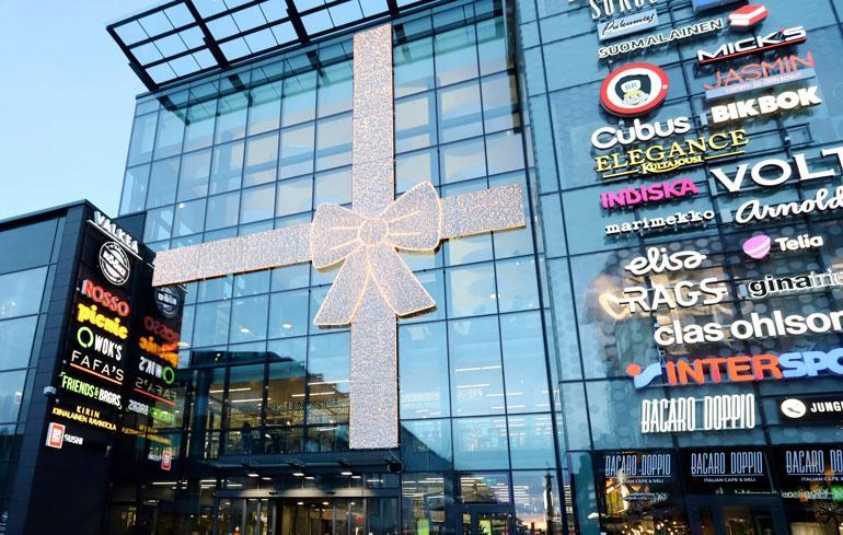 Valkean ostoskeskus on nuorten suosima ajanviettopaikka.