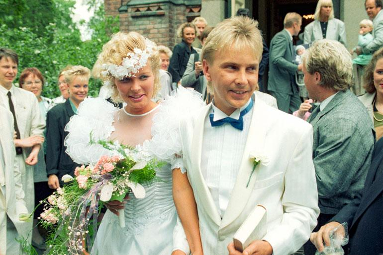 Matin toinen vaimo Pia oli 1990-luvulla esiintyjä, mistä Matti ei pitänyt. – Kyllä se p*rkele niin on, että naisen paikka on kotona, eikä missään maailmalla, Matti puhisi.