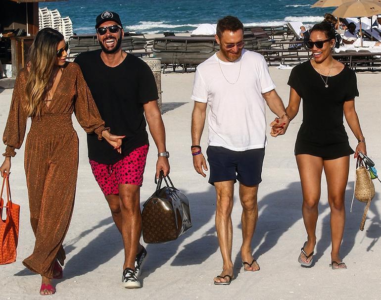 Guetta ja kaverit rannalla Miamissa.