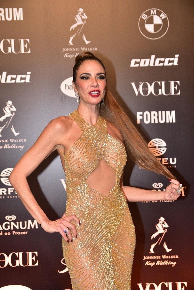 Luciana Gimenez paljastavassa asussa.