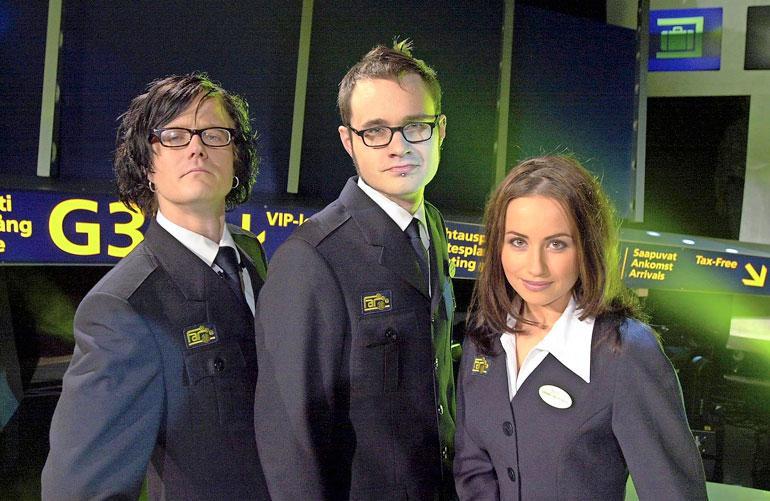 Wallu juonsi 2000-luvun alussa MTV3-kanavalla EVVK- ja Far Out- ohjelmia, jota luotsasivat myös Tuomas Enbuske ja Jaana Pelkonen. Lisäksi Wallua kuultiin monilla radiokanavilla.