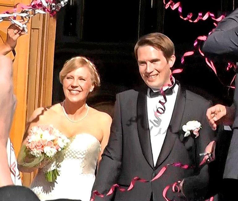 Vappu ja Teemu menivät naimisiin vuonna 2013 Uspenskin katedraalissa, Helsingissä.