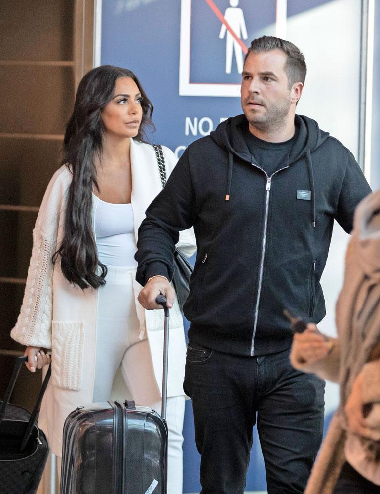 Paparazzi ikuisti Nikon ja Sofian yhteiskuviin Helsingin lentoasemalla viime syksynä.