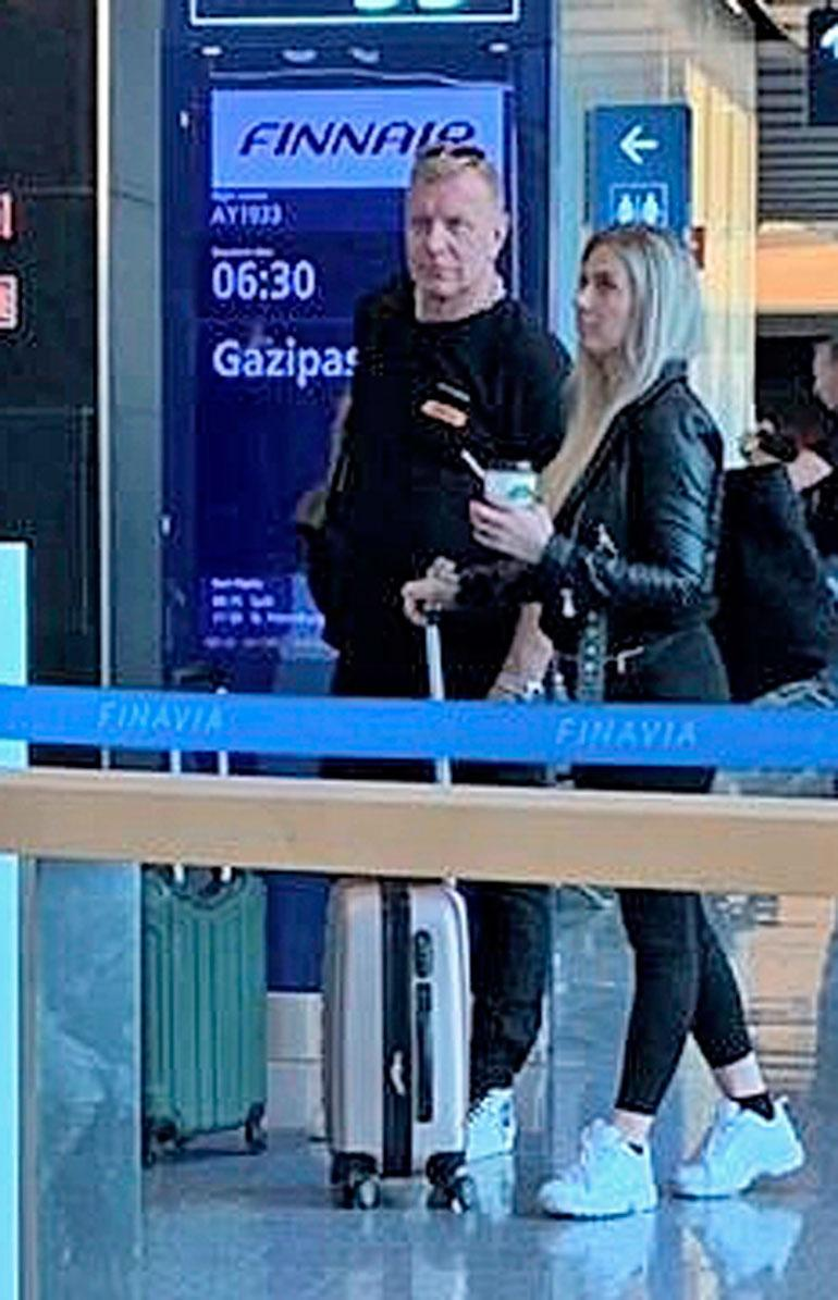 Seiskan lukija bongasi ex-pari Tauskin ja Hennan Helsinki-Vantaan lentoasemalta viime viikolla.