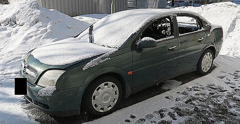 Tuhopolton kohteeksi joutunut Opel Vectra. Kuva: Poliisi