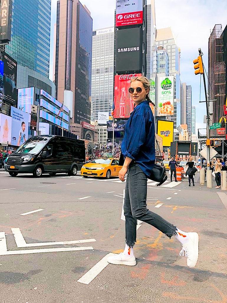 Mia Ehrnrooth saa parin viikon sisällä tietää, onko mukana miljoonasarjassa.