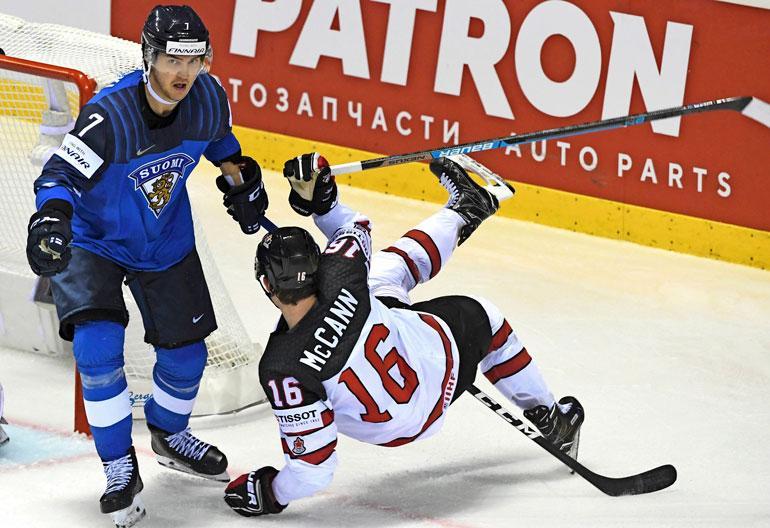 Slovakian MM-kisoissa Oliwer huolehtii, ettei vastustajilla ole asiaa Suomen maalille. Sen sai tuta myös Kanadan Jared McCann.