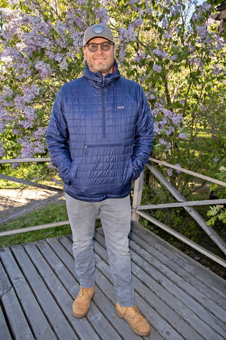 Antti J. Jokisen ohjauksista tunnetuimpia ovat Puhdistus, Kätilö ja The Resident. Helene Schjerfbeckistä kertovat Helene-leffa tulee elokuvateattereihin ensi vuoden puolella.