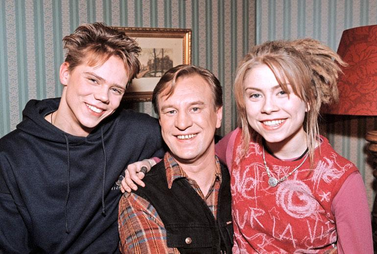 Venla Saartamo näytteli Salatuissa elämissä vuosina 1999–2002. Laiteloiden perheessä näyttelivät myös Pete Lattu ja Esko Kovero.