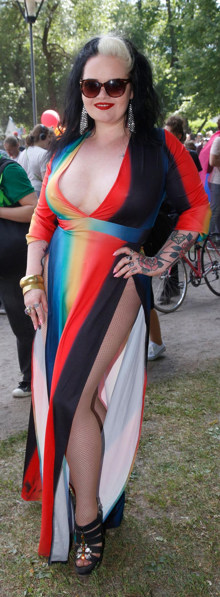 Saana Koskinen osallistui ensimmäistä kertaa Pride-kulkueeseen.