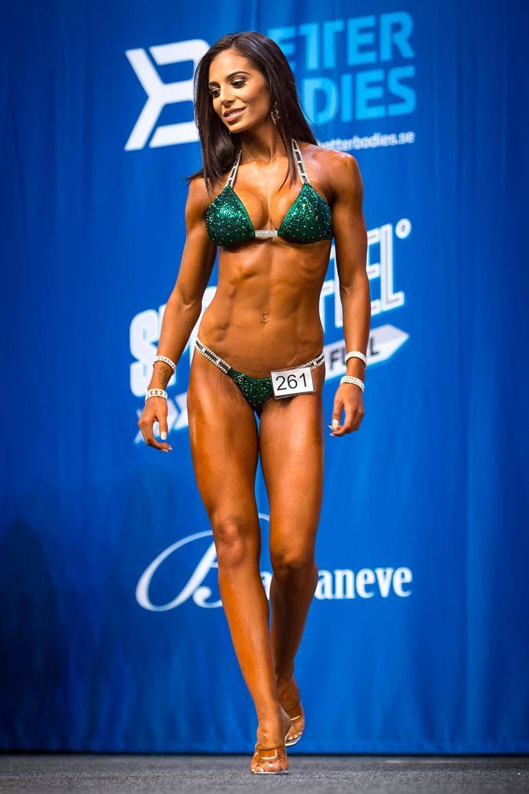 Sofia menestyi hyvin fitness-lavoilla.