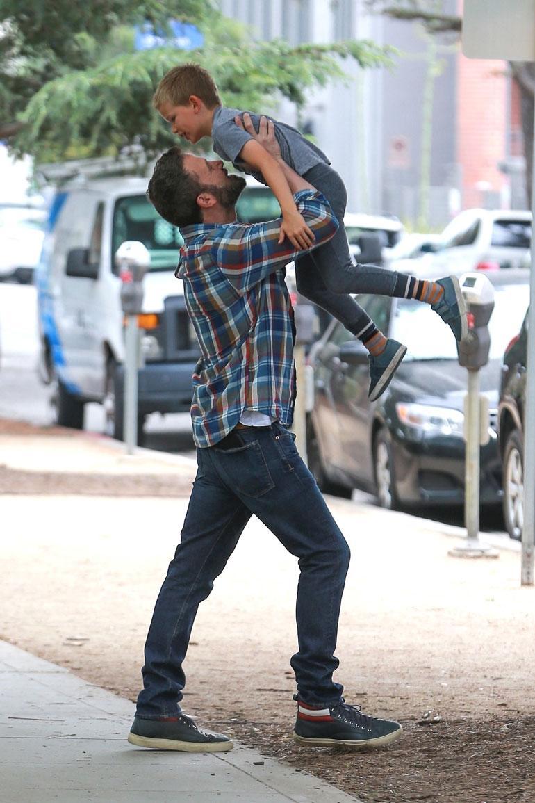 Ben Afleck ja poika.