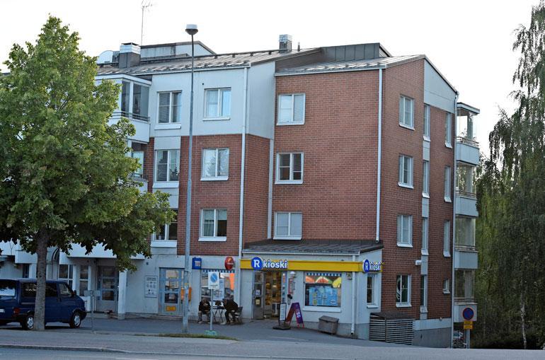 Pertti pitää majaa Lempäälässä 73-neliöisessä kolmiossa.