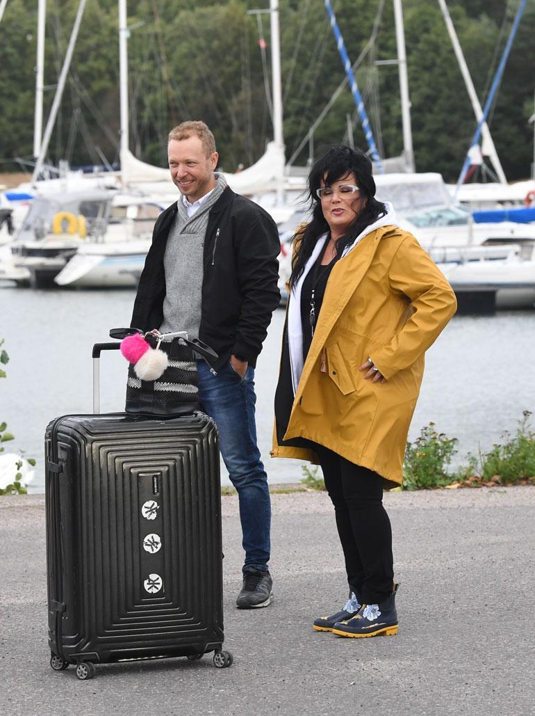 Ohjelman ohjaaja Lauri Nurkse oli Kaijaa satamassa vastassa.