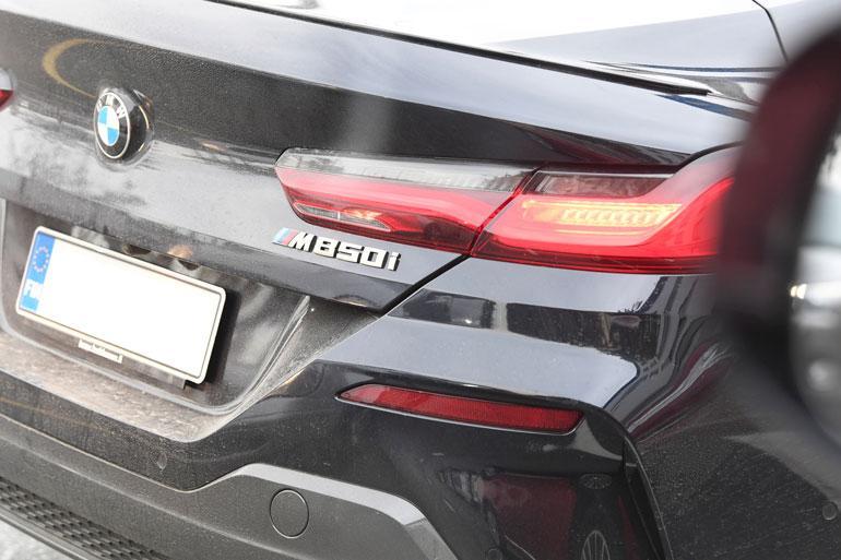 Automiehet tietävät, että M-kirjain Bemarin takaluukussa kielii täysiverisestä kilpurista.