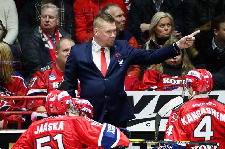 – HIFK:ssa on aina mestaruus tavoitteena. Silti perustyö on tehtävä koko kauden ajan niin hyvin, että voimme nostaa todennäköisyyksiä pelata keväällä parasta peliämme, Jarno Pikkarainen paaluttaa.