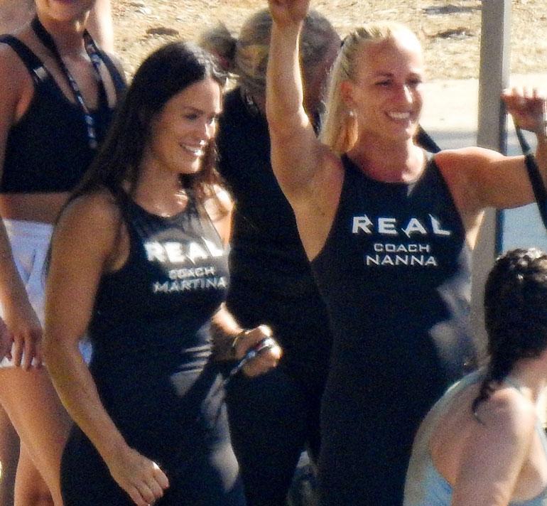 Martina ja Nanna olivat silminnähden tyytyväisiä hyvin kulkeneisiin treeneihin.