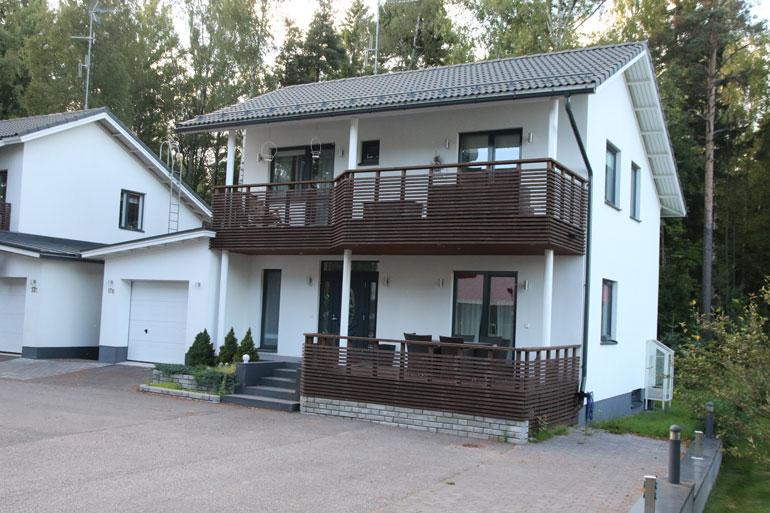 Maisa ja Jari-Matti asuvat omakotitalossa Pohjois-Helsingissä.
