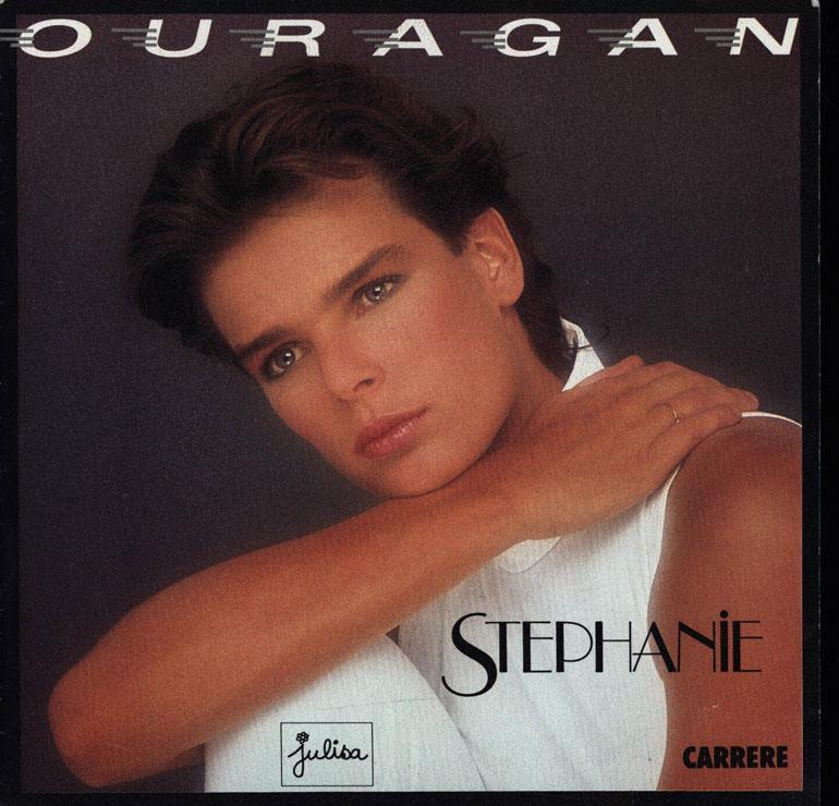 Stephanie toimi 1980-luvulla laulajana, uimapukumallina ja muotisuunnittelijana.