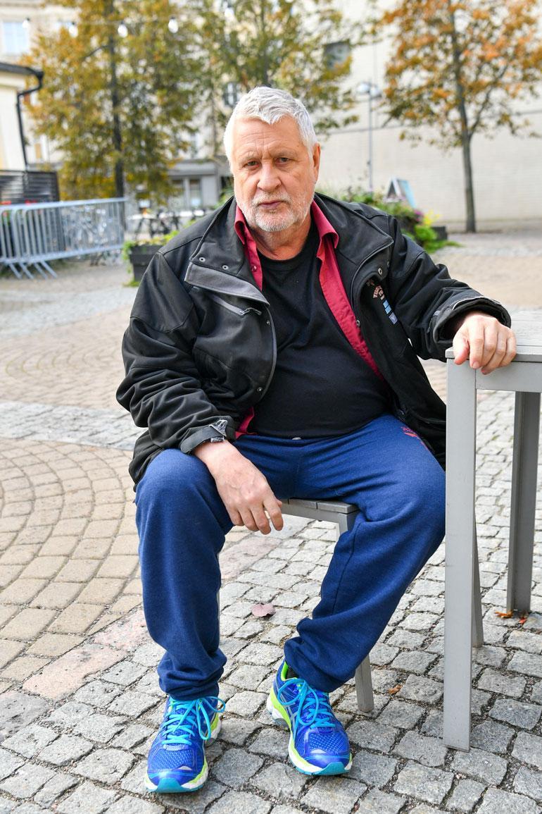 Kari Väänänen tietää jo mitä tekee, kun Fingerporin promokiertue päättyy. – Menen suorinta tietä kotiin ja panen rantasaunan lämpiämään! Eivätkös kaikki keihäänheittäjätkin tee niin?