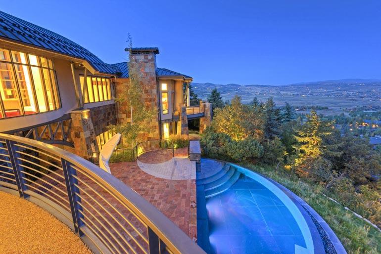 Michael osti Utahin-talonsa 12 vuotta sitten lomapaikakseen. Talo on menettänyt arvoaan miljoonan euron verran.