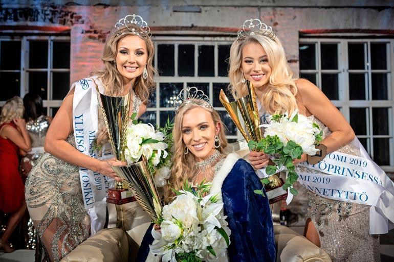 Annista kruunattiin Miss Suomi syksyn alussa. – Epäilin, ettei Anni halua muuttaa yhteen kanssani, kun hän voitti kisat, Sonja sanoo.