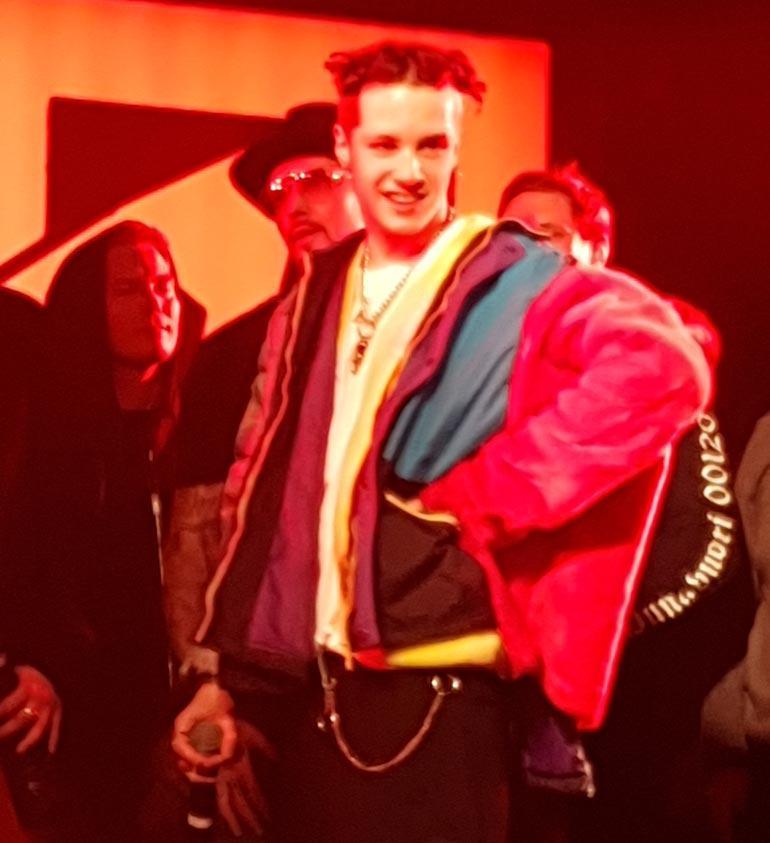 Cheek, Brädi ja Lukas Leon lavalla.