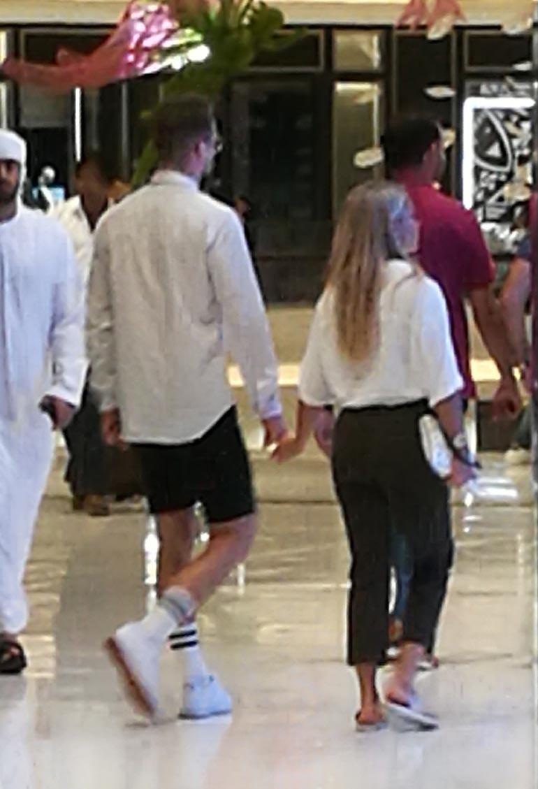 Eevi ja Teemu shoppailivat Dubaissa.