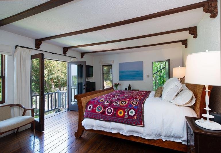 Makuuhuone paljastaa, miten lämmin ja hispaaninen henki talossa on.