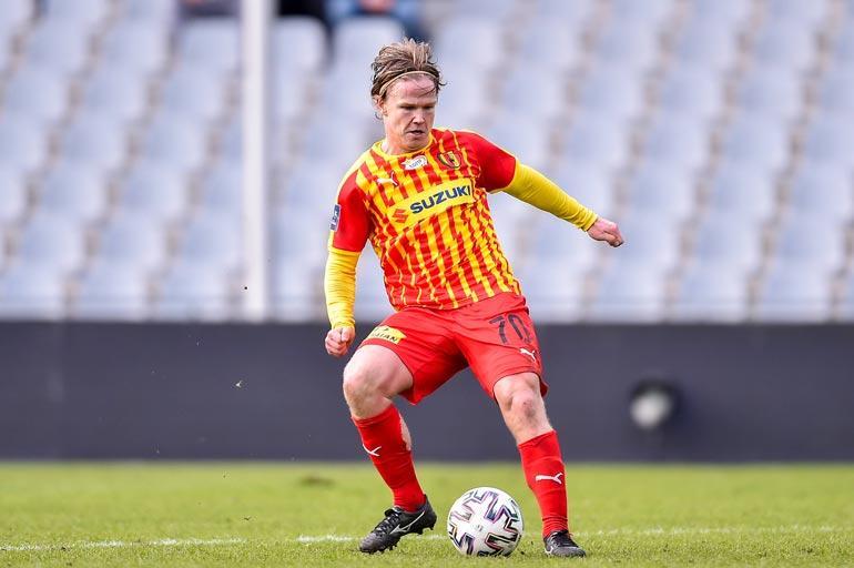 Petterin nykyinen joukkue on Korona Kielce.