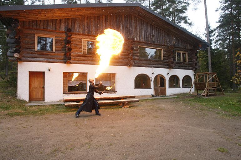 Anssi Viskari Mr. Lothar mökki huvila juhlat mäntyharju