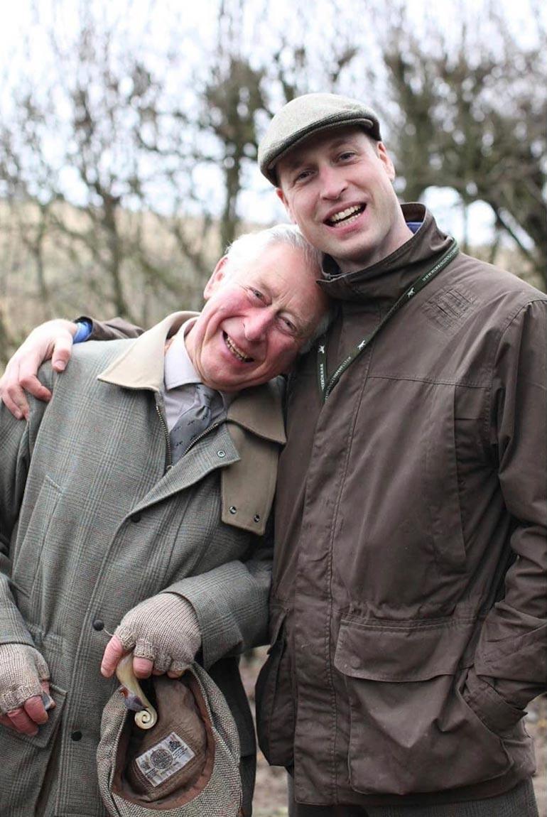 William halaa jo Charles-isäänsä, jonka kanssa lapsuudessa välit eivät vielä olleet näin läheiset.