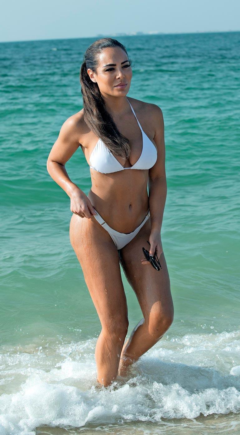 Näyttävä Sofia on luonut uraa fitness-urheilun ja hyvinvoinnin parissa.