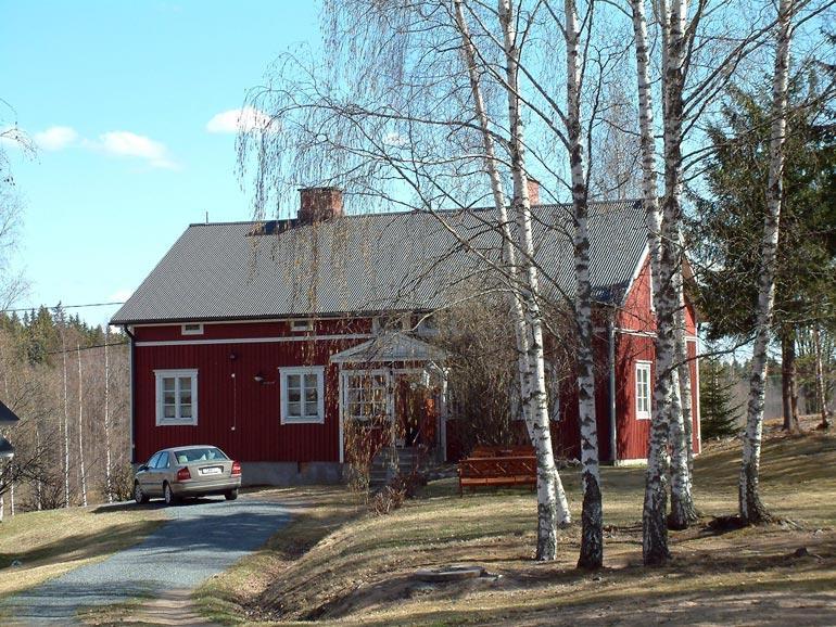 Callen ja Paulan kotitalo on yhä myymättä, vaikka pyyntihintaa on pudotettu 24 000 euroa.