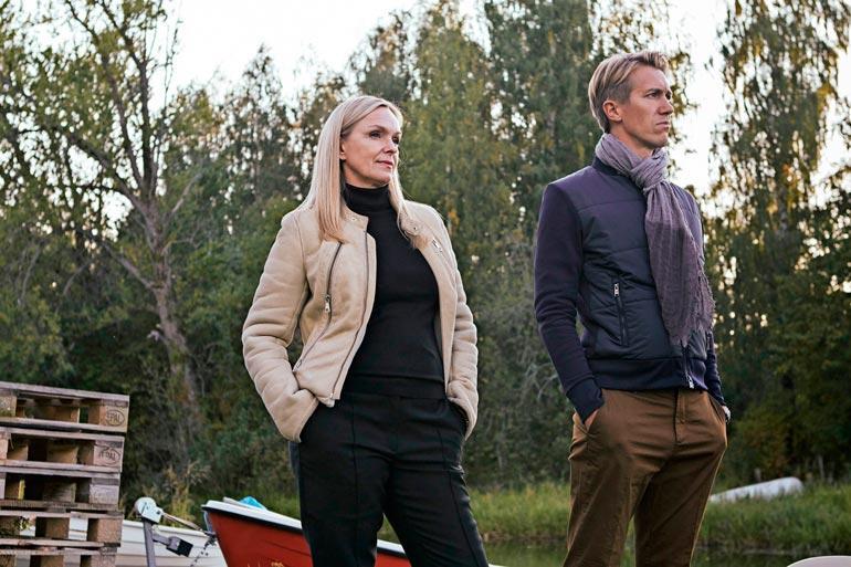 Metsäjätti-elokuva pohjautuu Miika Nousiaisen samannimiseen romaaniin, jossa päähenkilö Pasi ottaa vastaan tehtävän ja alkaa tehostaa vaneritehtaan toimintaa synnyinseudullaan Törmälässä. Elokuvan rooleissa nähdään muun muassa Jussi Vatanen, Hannes Suominen, Sara Soulié, Anu Sinisalo, Tommi Korpela, Anna-Riikka Rajanen ja Tomi Alatalo.