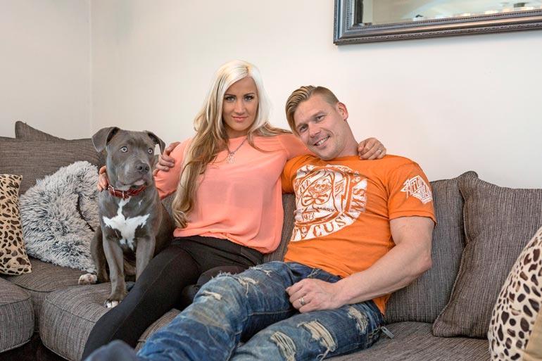 Akin ja Ritan  Putin-koira on rodultaan pitbull. Kyseinen rotu jakaa laajasti mielipiteitä puolesta ja vastaan.