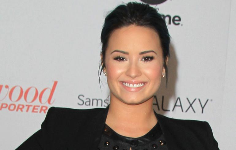 Tämä syy sai Demi Lovaton jättämään huumeet!