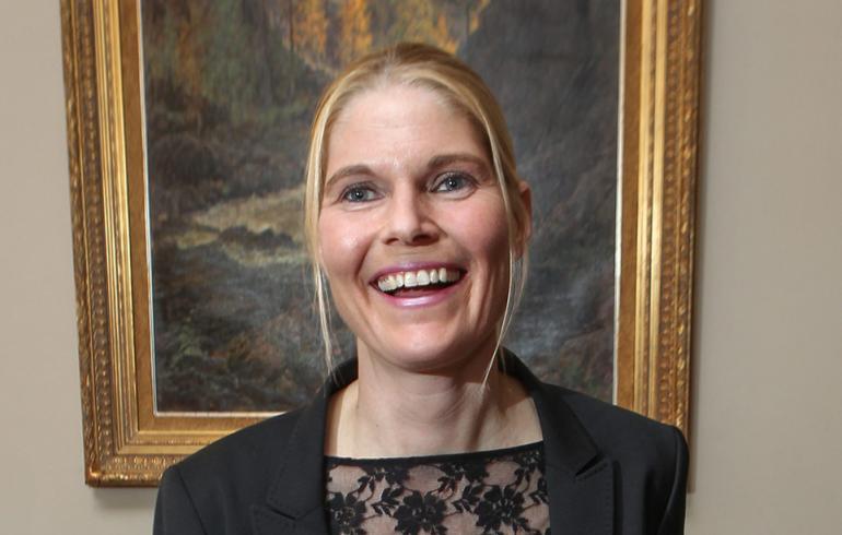 Merikukka Forsiuksen jymy-yllätys: kihlasi naisopettajan – kuva!