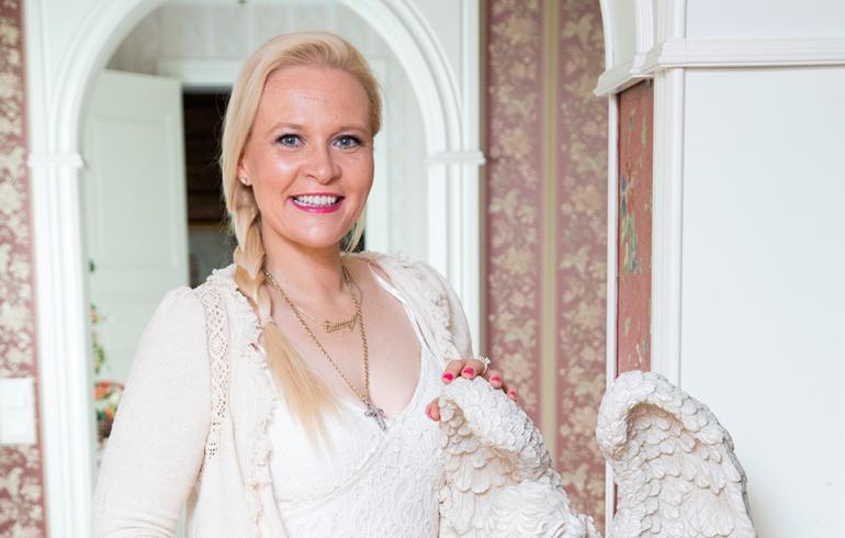 Missikeisarinna Sunneva Kantola: Ostin sukukartanomme takaisin!