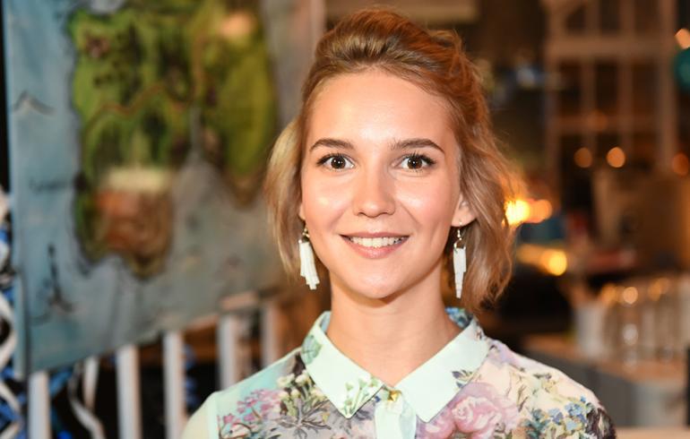 Salkkari-näyttelijä Sara Lohiniva: Jos kutsu käy Oonan rooliin, niin miksipä ei!