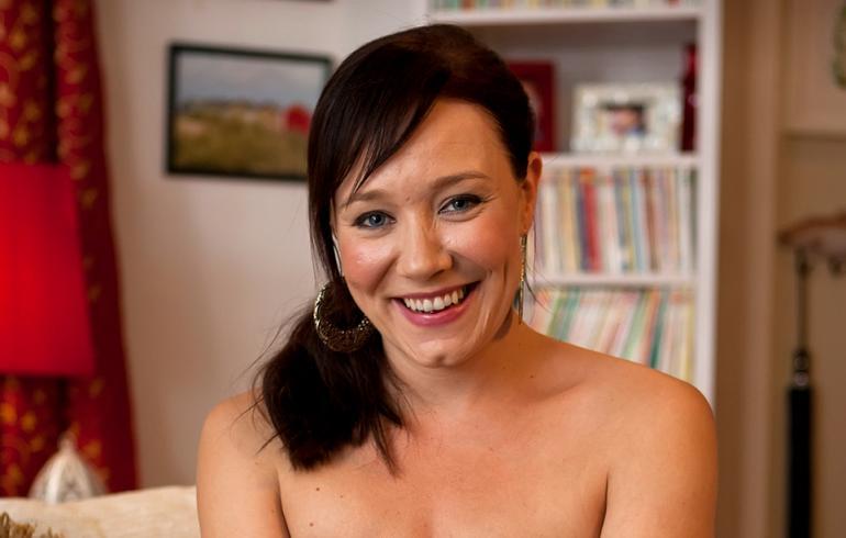 naiset alasti suihkussa sex shop kuopio