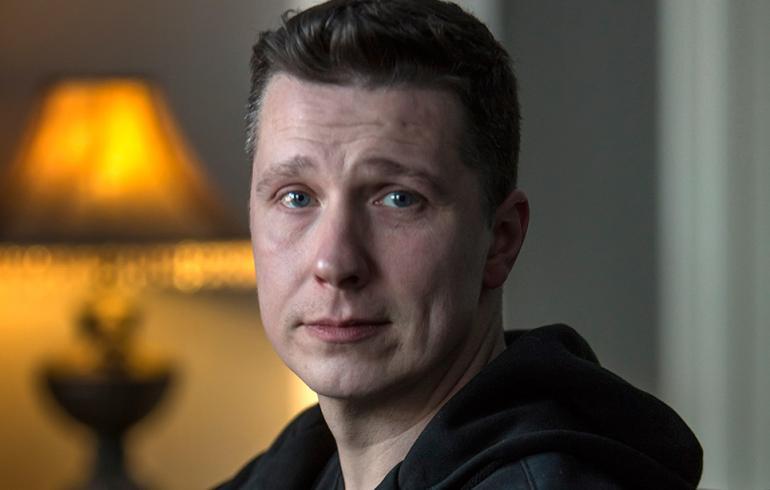 Iskelmätähti Janne Tulkin raju perheriita: käsiraudoissa putkaan!