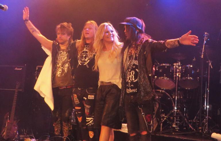Anette Olzon todisti olevansa enemmän kuin vain Nightwishin ex-solisti!
