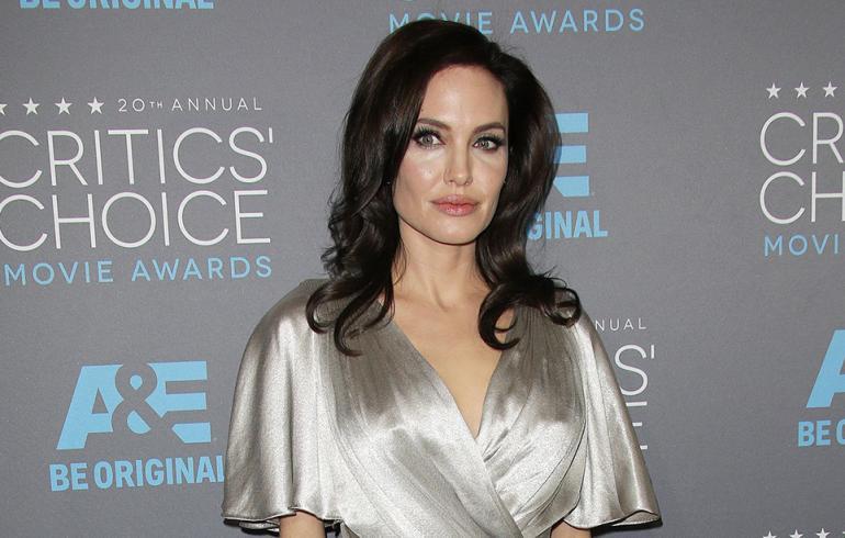 Angelina Jolie sulki rahahanansa - järjestö jäi nuolemaan näppejään!