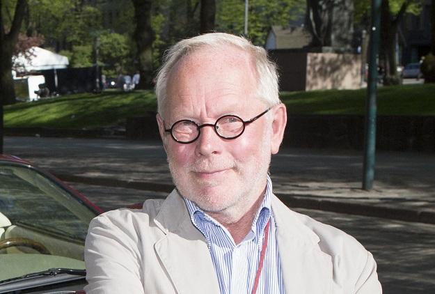 Ristomatti Ratia pusutteli blondia Helsingin yössä!