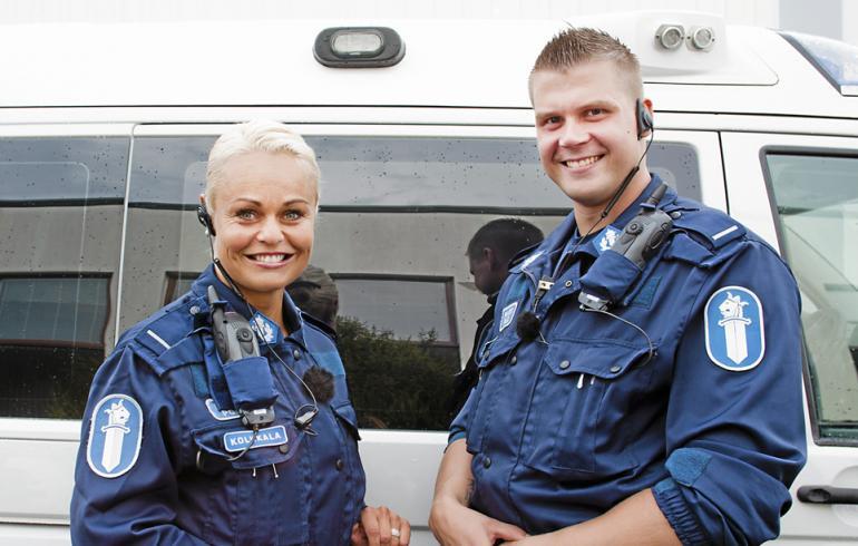 Poliisi-tv:n Taina ja Janne naimisiin!