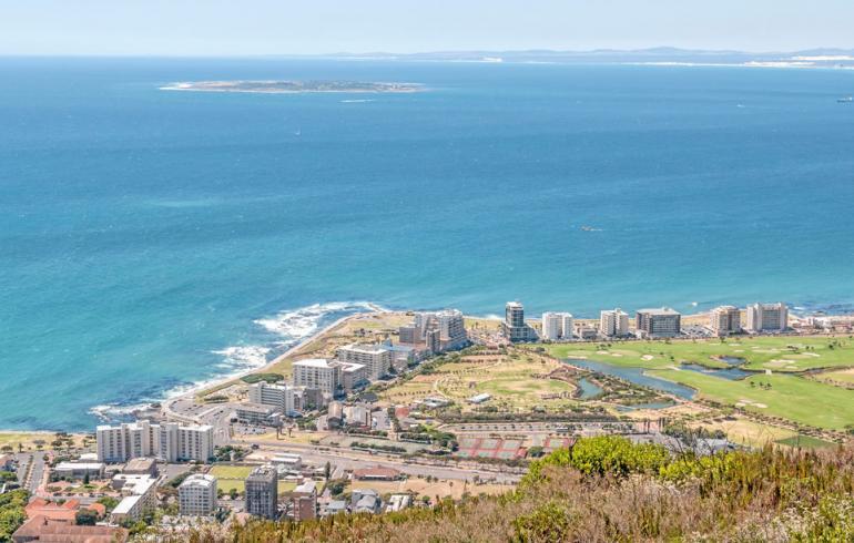 Koe Kapkaupungin kiehtovimmat matkakohteet: Robben Island, Cape Point ja muut!