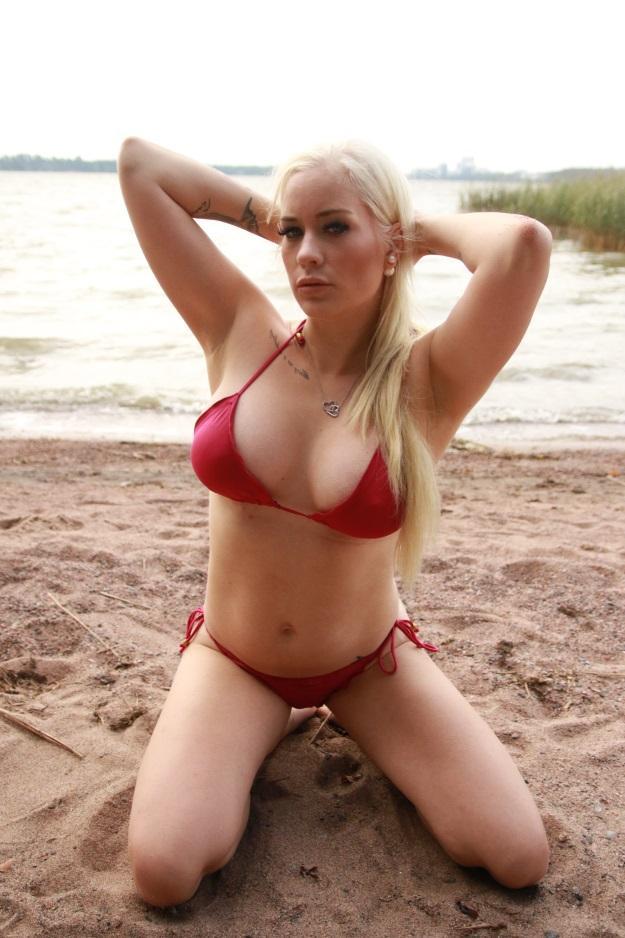 mökillä alasti Espoo