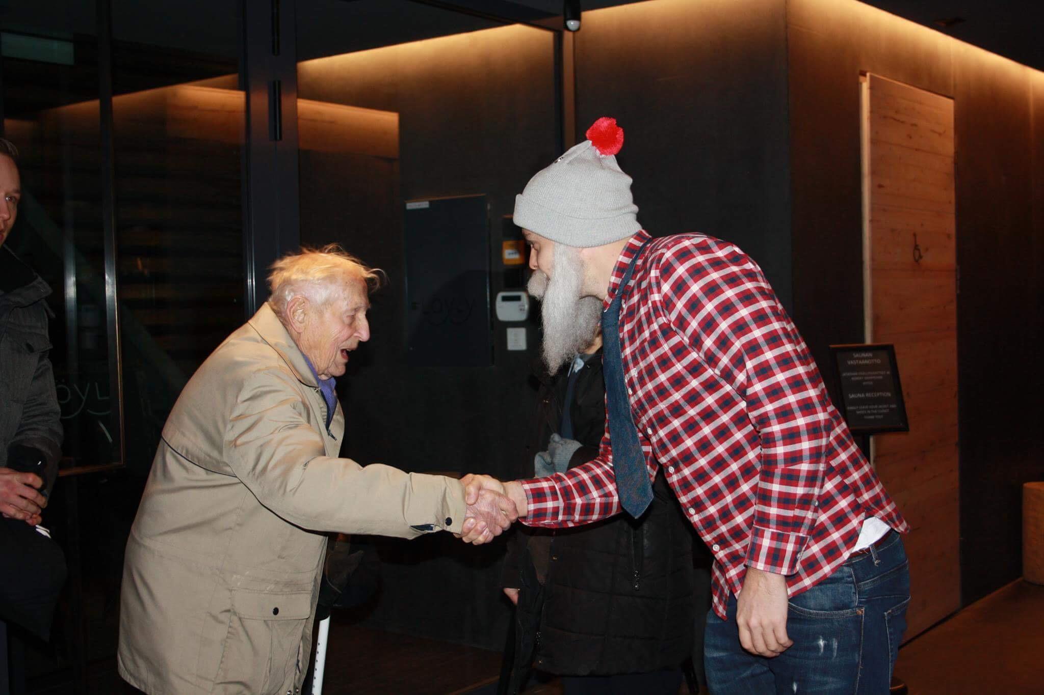 Brother Christmasin ja veteranien kohtaaminen oli tunteikas.