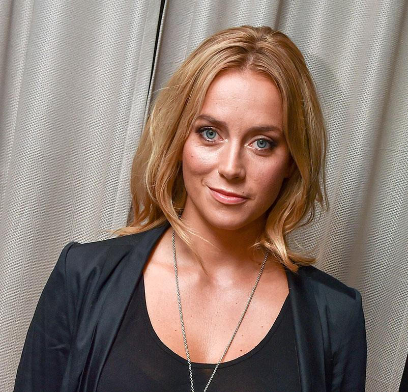 Putous-sarjan myötä kaikkien tuntemaksi näyttelijäksi noussut Iina Kuustonen sai viime vuonna esikoisensa Sebastian Rejmanin kanssa.